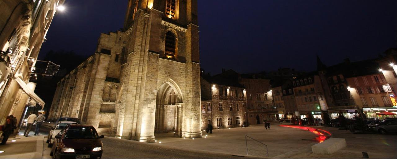 cathédrale de Tulle la nuit