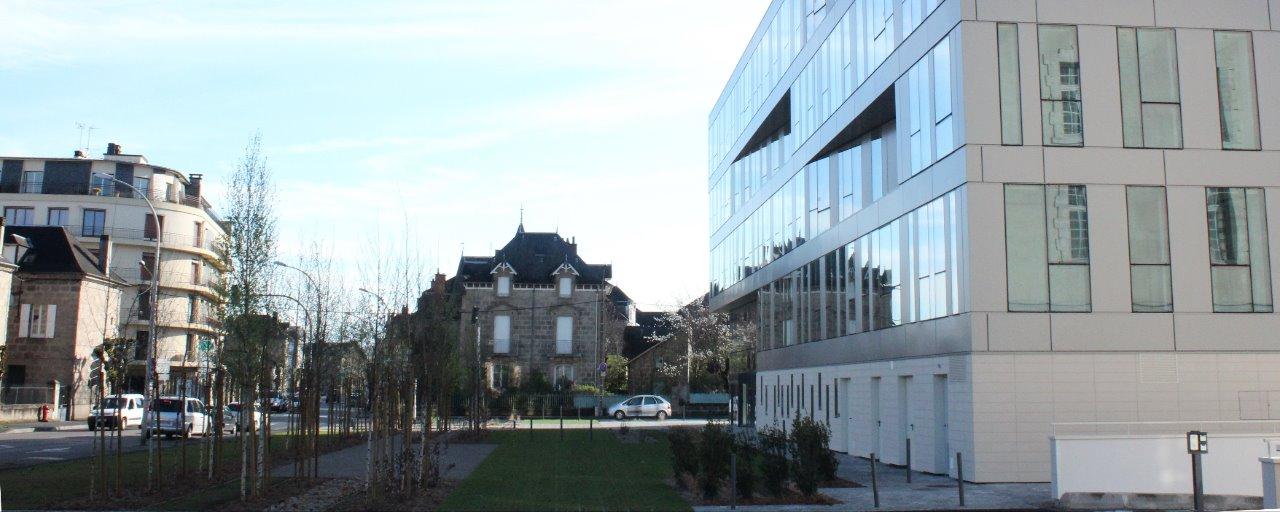 Aménagement autour du bâtiment UNOFI