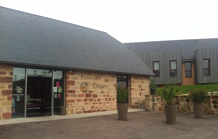 pole commercial de Cosnac La boulangerie